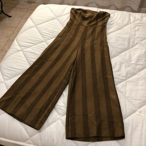 urban outfitters wide legged jumpsuit